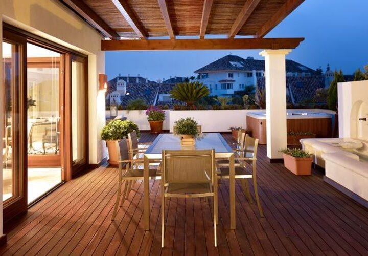 Lomas del Rey – terraza noche